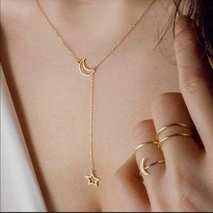Jewelry - ⭐️H/P 1/17🌙 Gold Moon & star pendant necklace